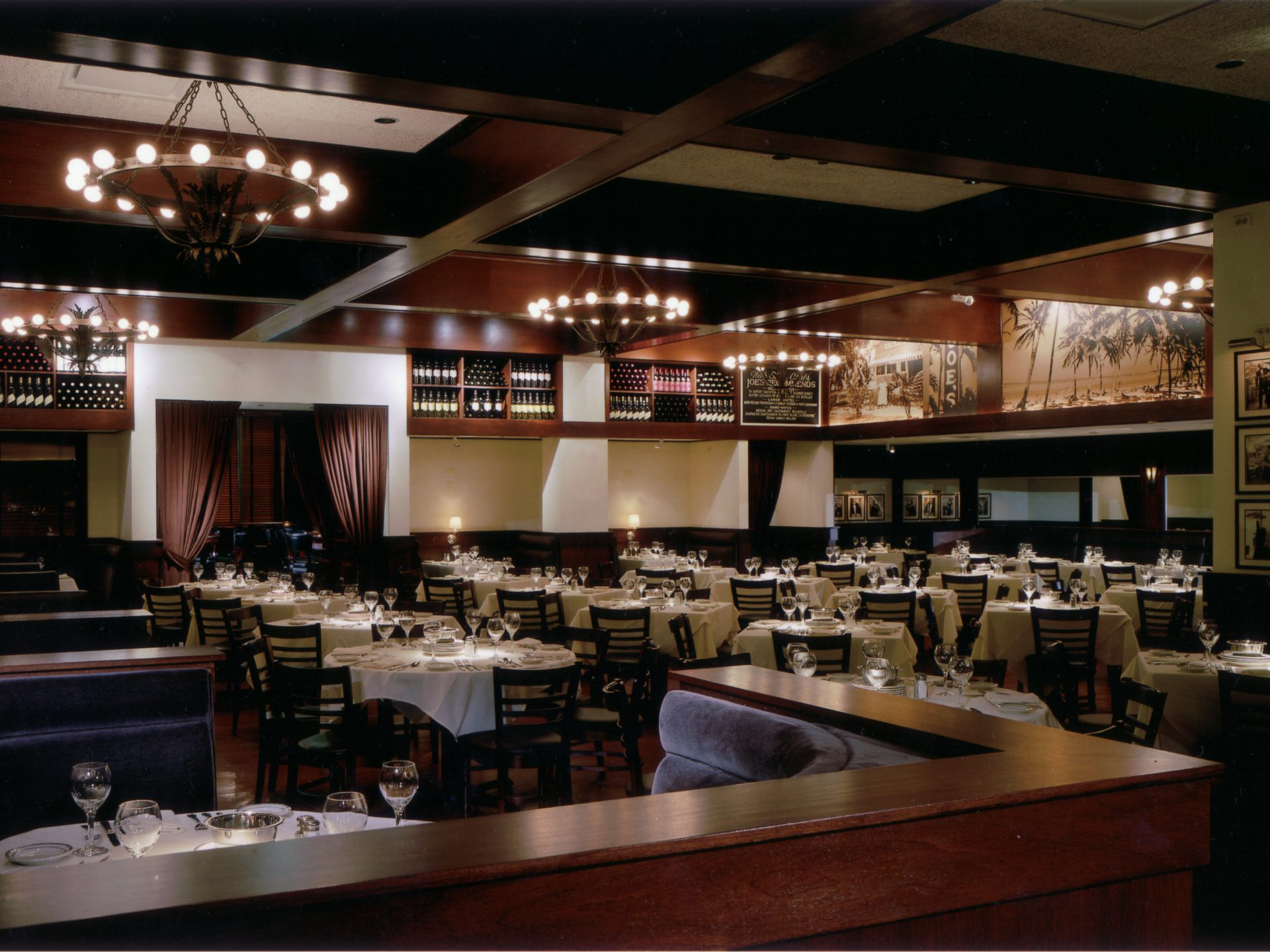 Joe S Seafood Prime Steaks And Stone Crabs Detureculsign